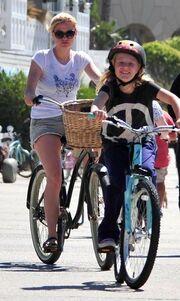 Paquin – Moyer: Βόλτες με τα ποδήλατα
