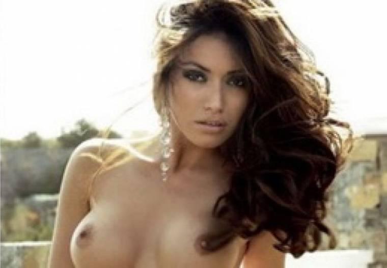«Μάχη» για τη σέξι φωτογράφιση της Όλγας Φαρμάκη