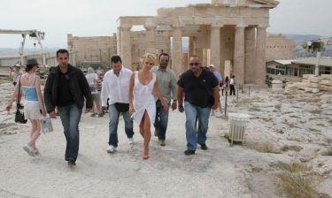 Η Pamela Anderson στην Ακρόπολη