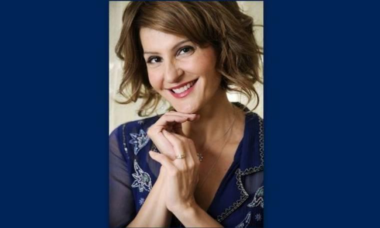 Η Nia Vardalos πόζαρε για να νικήσει τον καρκίνο