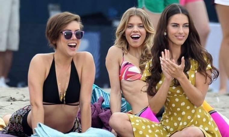 Τα κορίτσια του 90210 στην παραλία