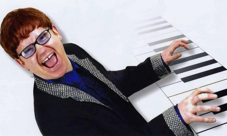 Elton John κατά ριάλιτι