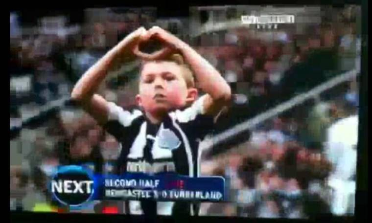 Video: Γεννημένος... ποδοσφαιριστής ο μικρός φίλος της Newcastle