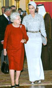 Η Βασίλισσα Ελισάβετ υποδέχθηκε τον Εμίρη του Κατάρ!