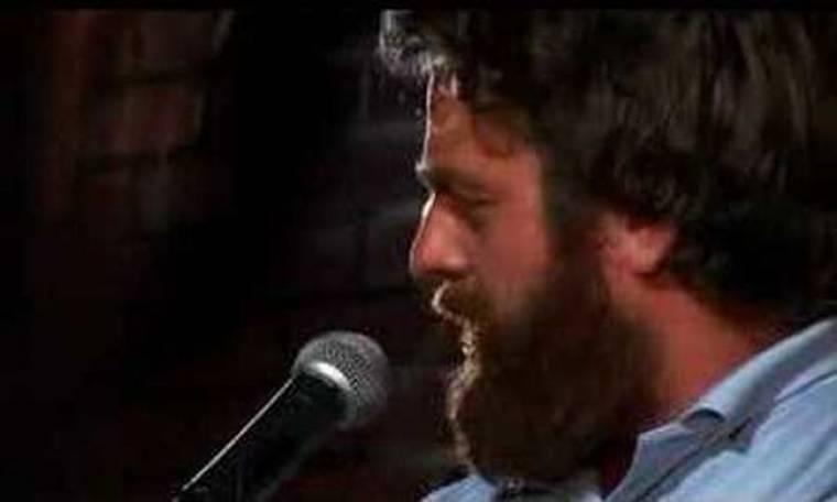 Video: Ο Zach Galifianakis αλλάζει λουκ