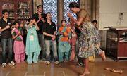 Η Michelle χορεύει στους ρυθμούς του Bollywood