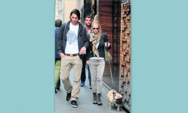Βόλτα με τον... σκύλο του ο Ibrahimovic