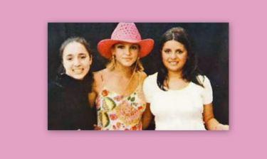Η Καλομοίρα φωτογραφίζεται με την Britney και σχολιάζει τη συνέντευξή της