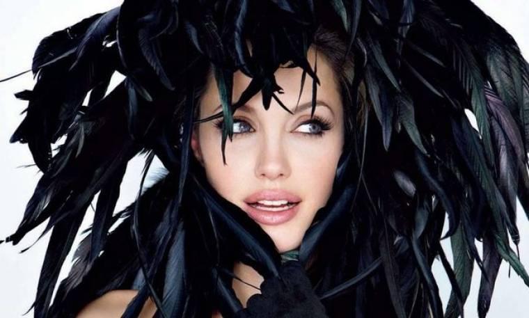 Φτερά και πούπουλα για την Angelina
