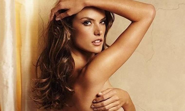 Η σέξι φωτογράφηση της Ambrosio για τη Victoria's Secret