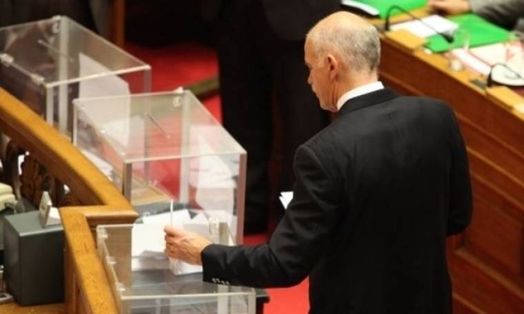 Η εσωτερική διαμάχη στο ΠΑΣΟΚ δείχνει πρόωρες εκλογές