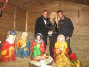 Η Σάσα Μπάστα στο χωριό του Αη Βασίλη