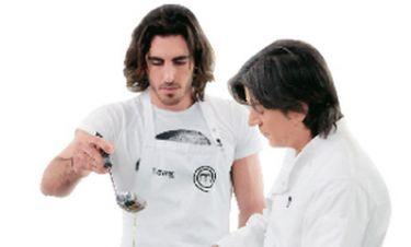 Video: Master Chef : Συγκίνηση για την αποχώρηση του  Γιάννη Αποστολάκη