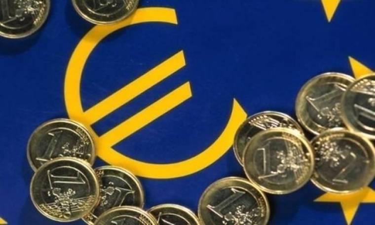 "CEBR: ""Αργοπεθαίνει"" το ευρώ;"