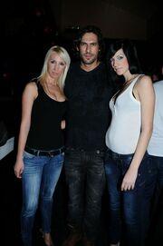 Ο Σπαλιάρας και τα κορίτσια του!