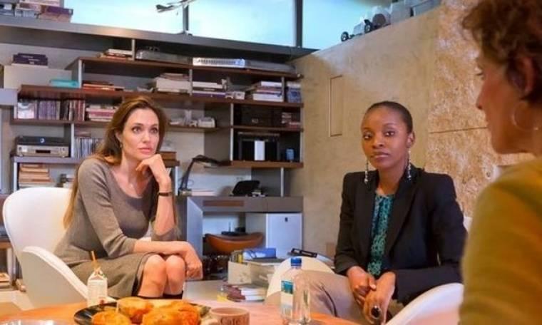 A.Jolie: Προσέλαβε δικηγόρο για την Αϊτή