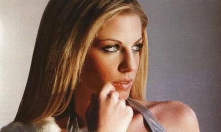 Τέλος απ' το τραγούδι και την Ελλάδα η Νάνσυ Αλεξιάδη
