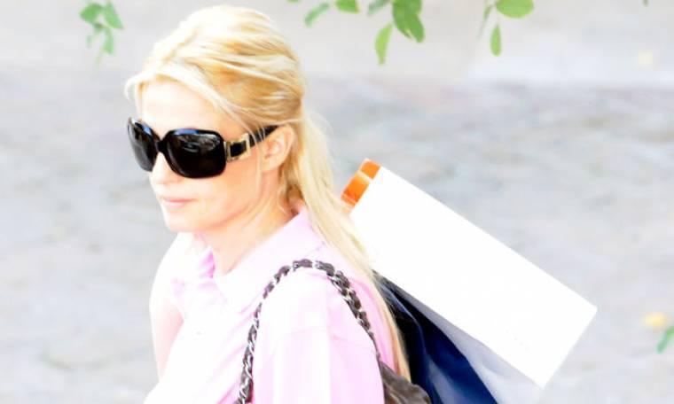 Η Κρίστι Τσολακάκη για ψώνια στην Κηφισιά