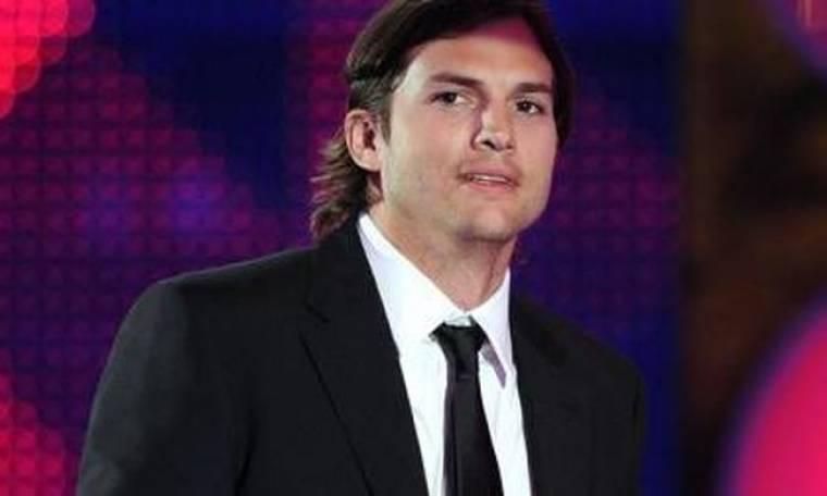 Ο Ashton Kutcher αγαπά τη Demi και τον Bieber