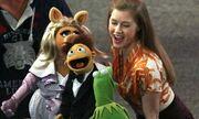 Η Amy Adams και τα Muppet