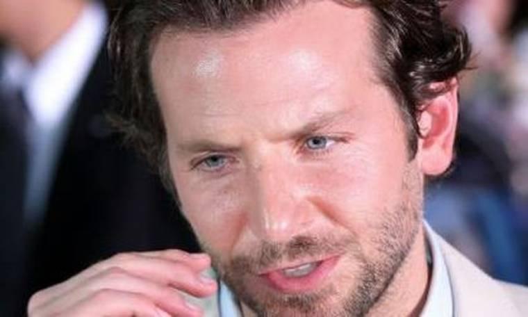 Έχασε τον πατέρα του ο Bradley Cooper
