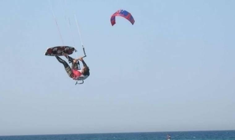 Κινδύνευσε αθλητής kite surf