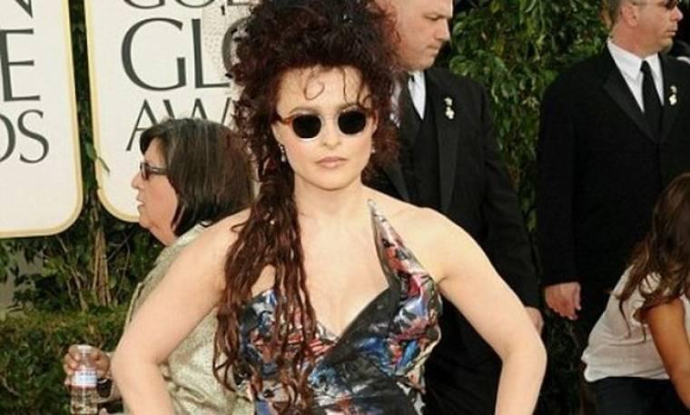 Η Helena Bonham Carter διασκεδάζει με τη μόδα