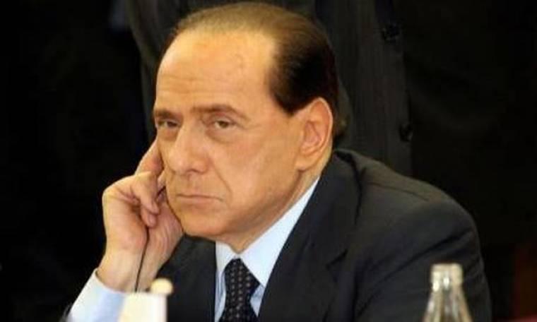 Να μπλοκάρει τις τηλεφωνικές παρακολουθήσεις θέλει ο Μπερλουσκόνι