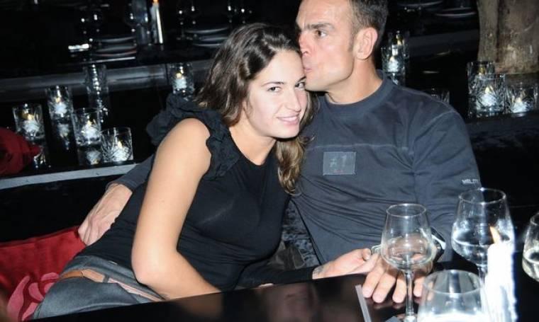 Εύα Λάσκαρη: Καυτά φιλιά με τον σύντροφό της