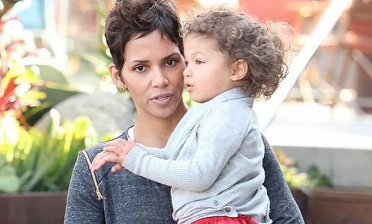 Halle Berry: Η κόρη μου θα αποφασίσει αν είναι λευκή ή μαύρη