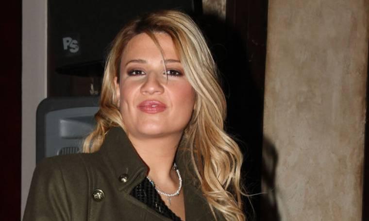 Video: Ποιοι επώνυμοι φίλησαν την κοιλιά της Σκορδά;