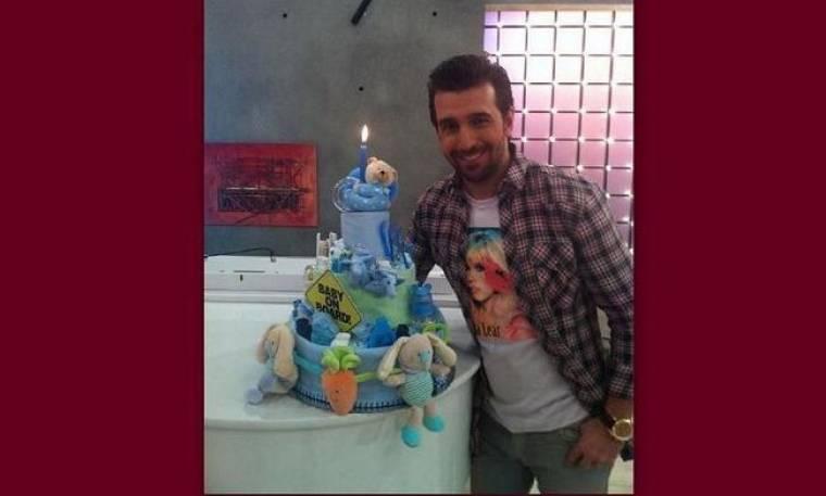 VIDEO: Το δώρο του Πετρέλη στη Σκορδά και τα γενέθλια on air