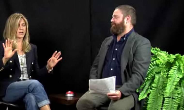 VIDEO:  Γιατί τα «πήρε» η Jennifer Aniston με τον Zack Galifianakis;