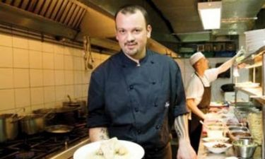 Δημήτρης Σκαρμούτσος: «Δεν έκαναν ουρά οι γυναίκες στο το εστιατόριο μου»