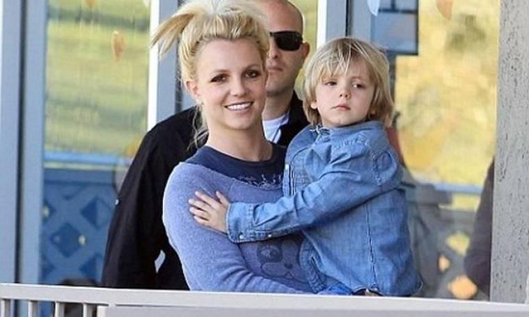 Britney: Είμαι απλά μία βαρετή σπιτόγατα