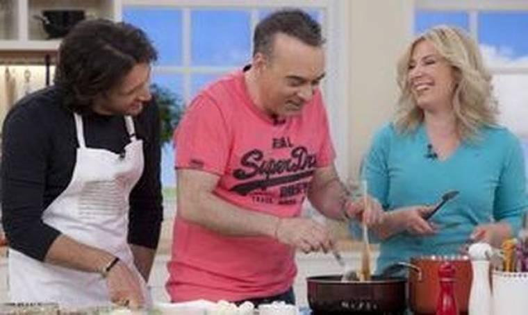 O Σεργουλόπουλος... μαγειρεύει