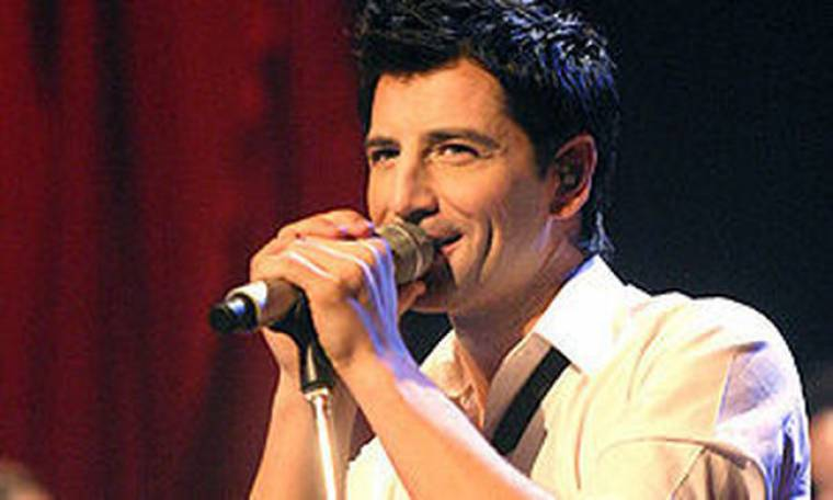 Συμβαίνει τώρα: Ο Σάκης Ρουβάς κάνει πρόβες για τη συναυλία του!