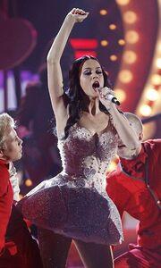 Έπαιξε το βίντεο του γάμου της στη σκηνή των Grammy
