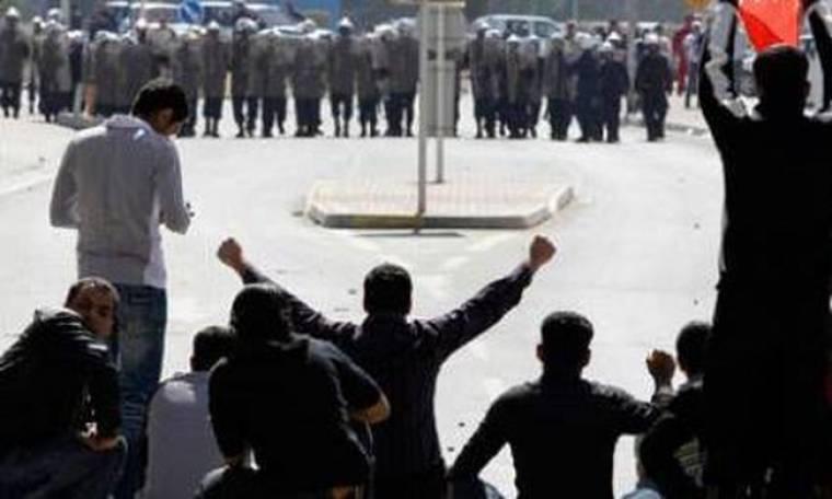 Δακρυγόνα και βία στις διαδηλώσεις στην Τεχεράνη