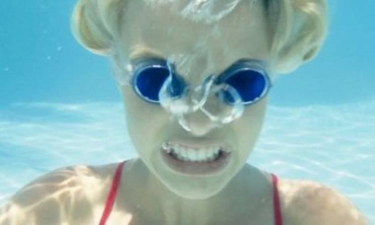 Ποιος είπε ότι το κολύμπι είναι μόνο για το καλοκαίρι;