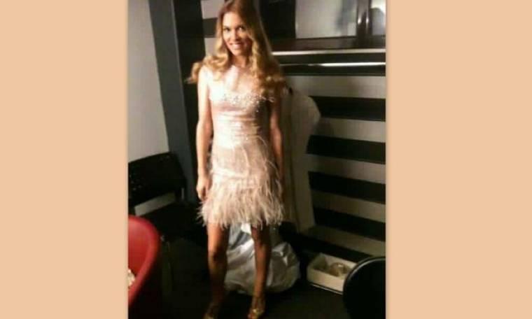 Η Βίκυ Καγιά φωτογραφίζεται με το φόρεμα του τελικού του Next Top Model
