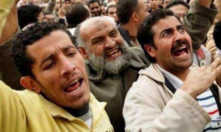 """""""Νέα Λιβύη"""" ή """"εμφύλιο πόλεμο'' προτείνει ο γιος του Καντάφι-Στους 223 οι νεκροί"""
