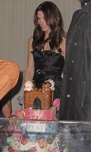 Η Ashlee Greene γιορτάζει δίπλα στον Joe Jonas