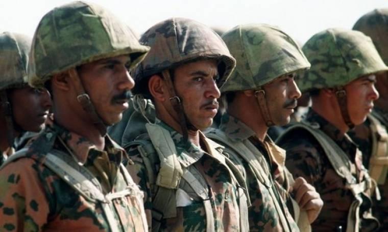 Αίγυπτος: Σε επιφυλακή ο στρατός λόγω Λιβύης