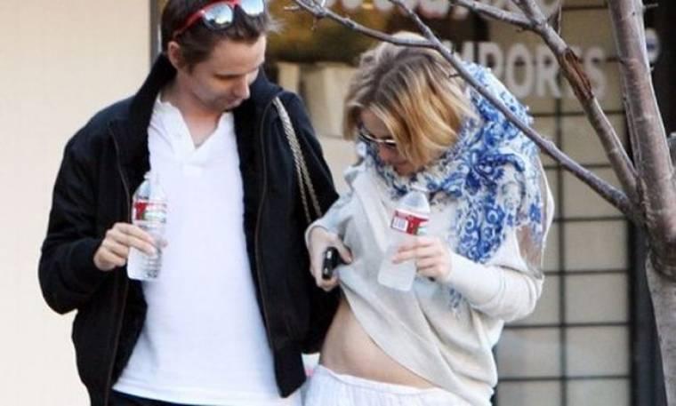 Kate Hudson: η κοιλιά της σε πρώτο πλάνο