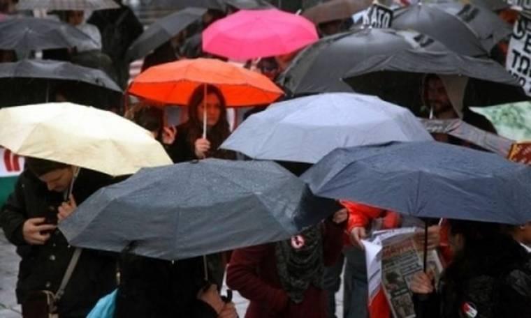 Ραντεβού στο σπίτι του Άκη με ομπρέλες