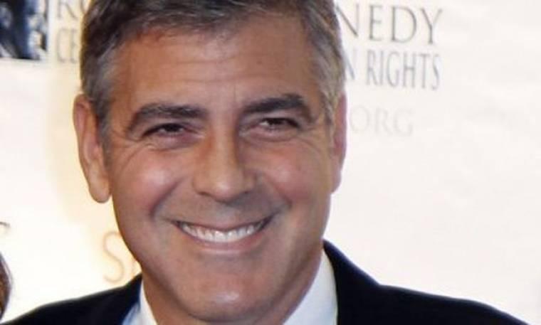 Ο Clooney έχει πολλές κρεπάλες στο βιογραφικό του για να γίνει πολιτικός