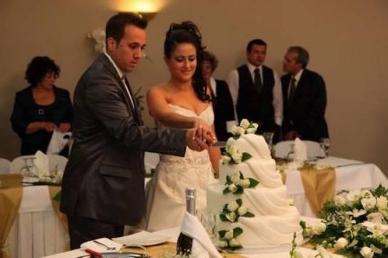 Πρεμιέρα απόψε για το «Μη το πεις στη νύφη»