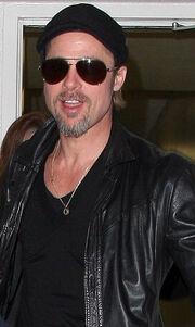 Ο Brad Pitt φοράει ήδη το δώρο του