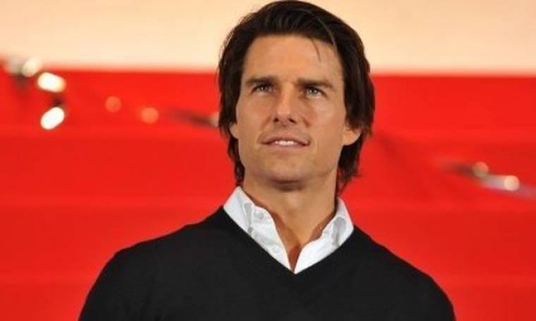 Ο Tom Cruise τραγουδά heavy metal